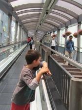 המדרגות הנעות הארוכות בעולם